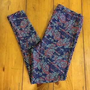 LuLaRoe Leggings, Tall & Curvy, box B.